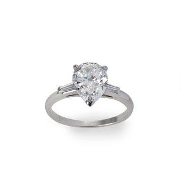 Cartier solitaire pear diamond 2.02 ct.