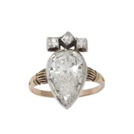 Antique ring pear brilliant diamond