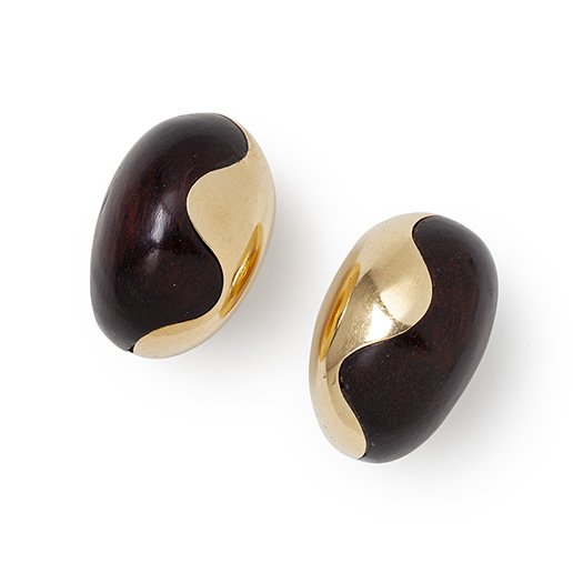 Van Cleef & Arpels gold and wood clip earrings ca 1970