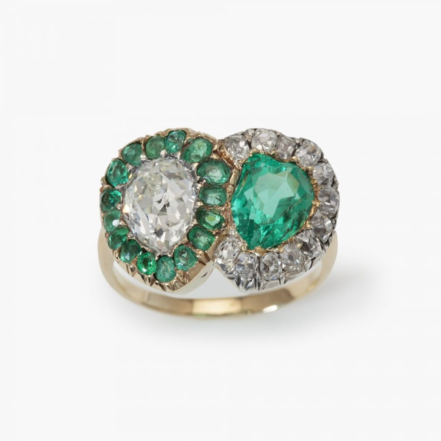 Antique ring diamond emerald hearts