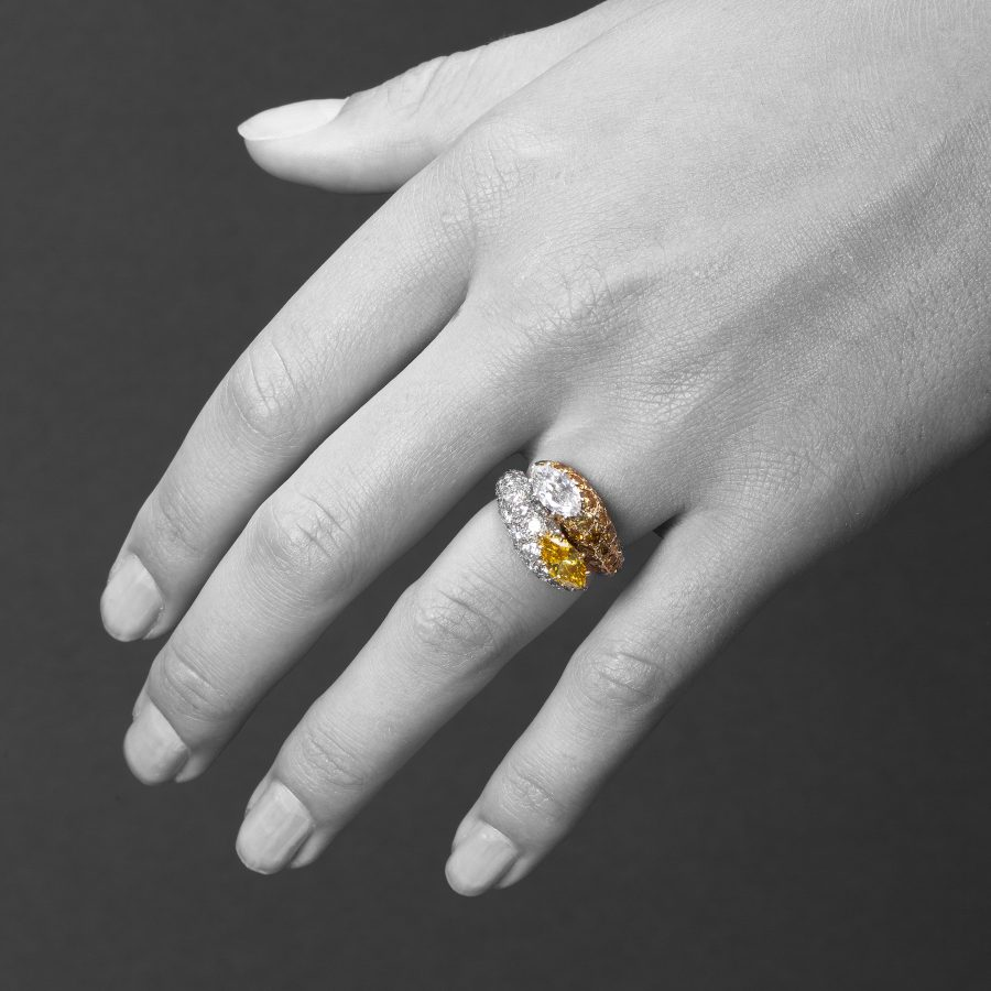 White and fancy yellow diamond cross over ring Cartier Paris
