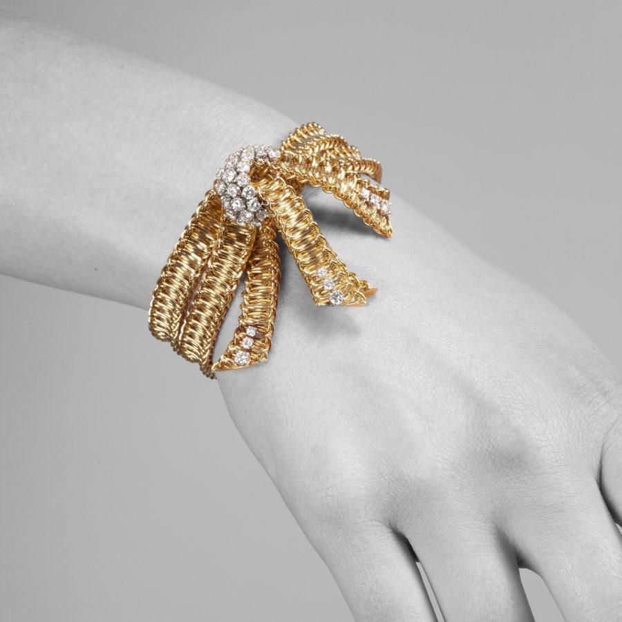 Cartier Paris golden bow bracelet diamond set 1950s